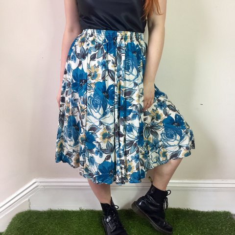 6d423dbd0 @tea_and_pizza. last year. Hove, United Kingdom. Vintage floral patterned  A-line midi skirt.