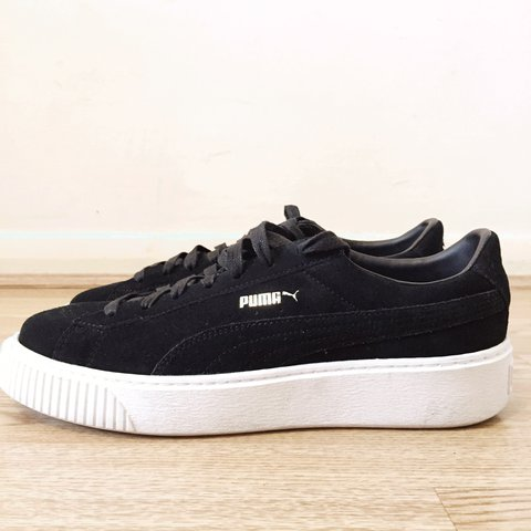 Puma Suede Platform Core Trainers in black - UK size 8. Only - Depop 6792201db