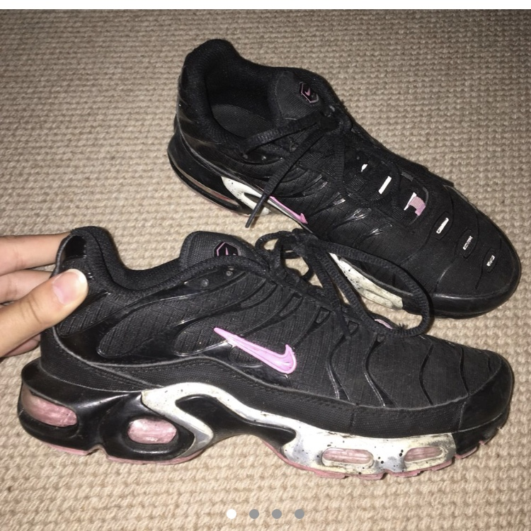 pink and black tns