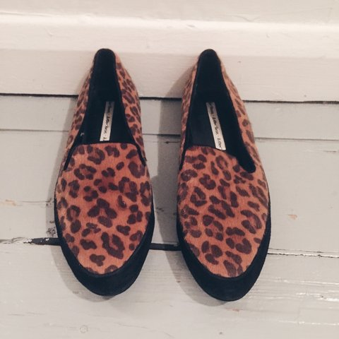 5e528deda @hazelcastle. 3 years ago. London, UK. & Other Stories size 5 shoes. Leopard  print and black flat ...