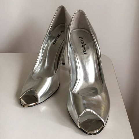 e4bbe489a29 Silver Metallic holographic stiletto high heel shoes! Rave   - Depop