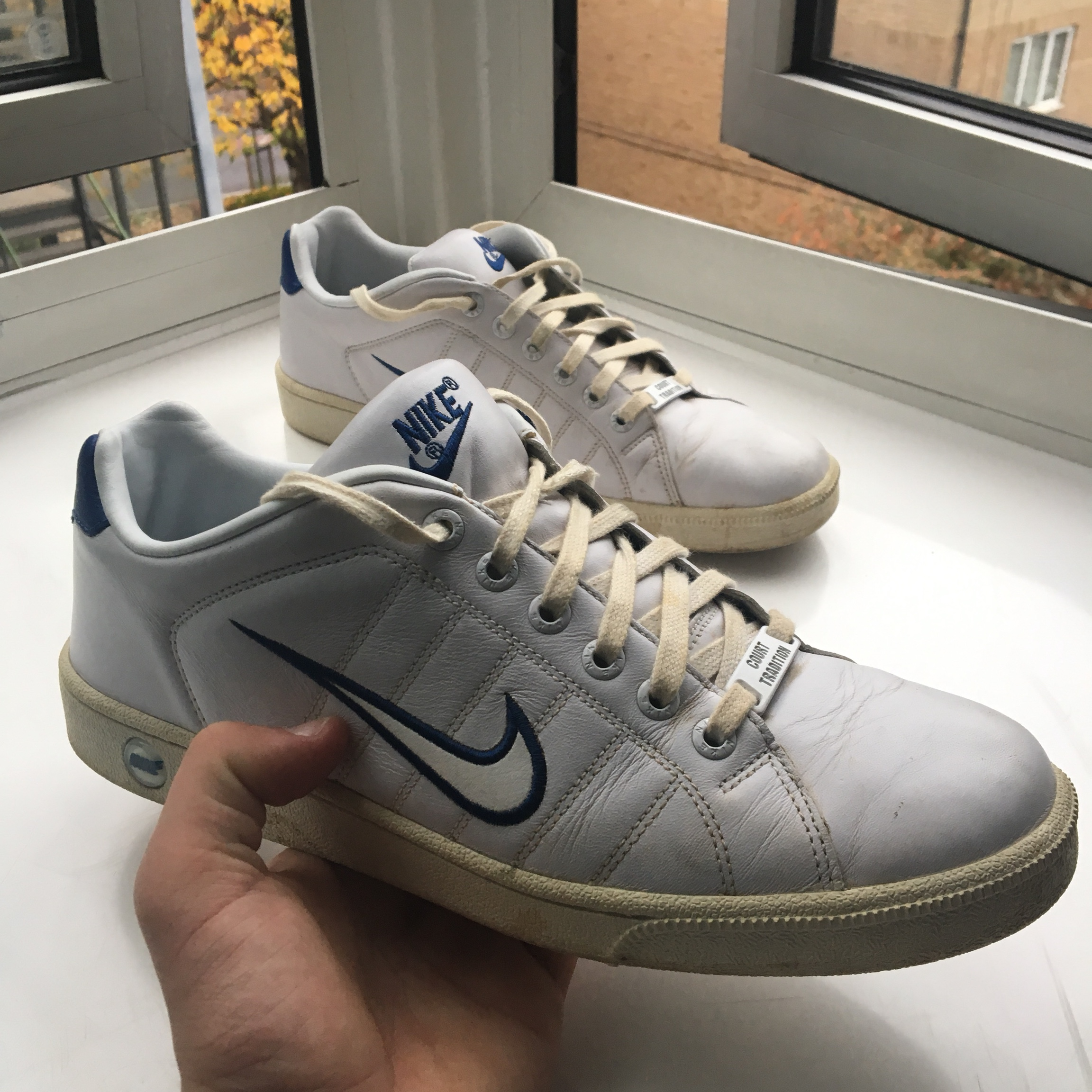 Nike Trainers vintage white with blue