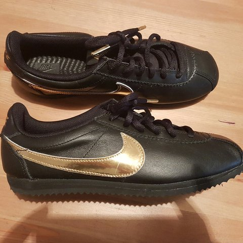d75354a5bbf5 Black and Gold Nike Cortez Size 5 NEVER WORN Comes with - Depop