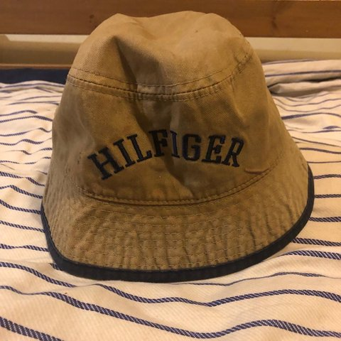 8579b5fc86680 vintage tommy hilfiger bucket hat pm for any questions - Depop