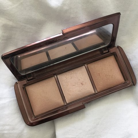 HOURGLASS AMBIENT LIGHTING PALETTE! Seriously Hardly Used! I   Depop