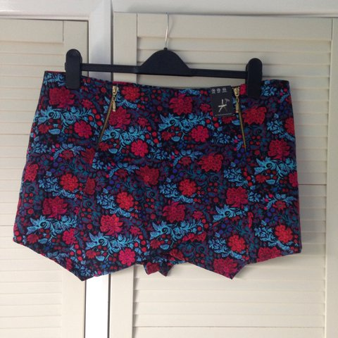 bnwt New Blue And Red Floral Skirt Size 18 Women's Clothing