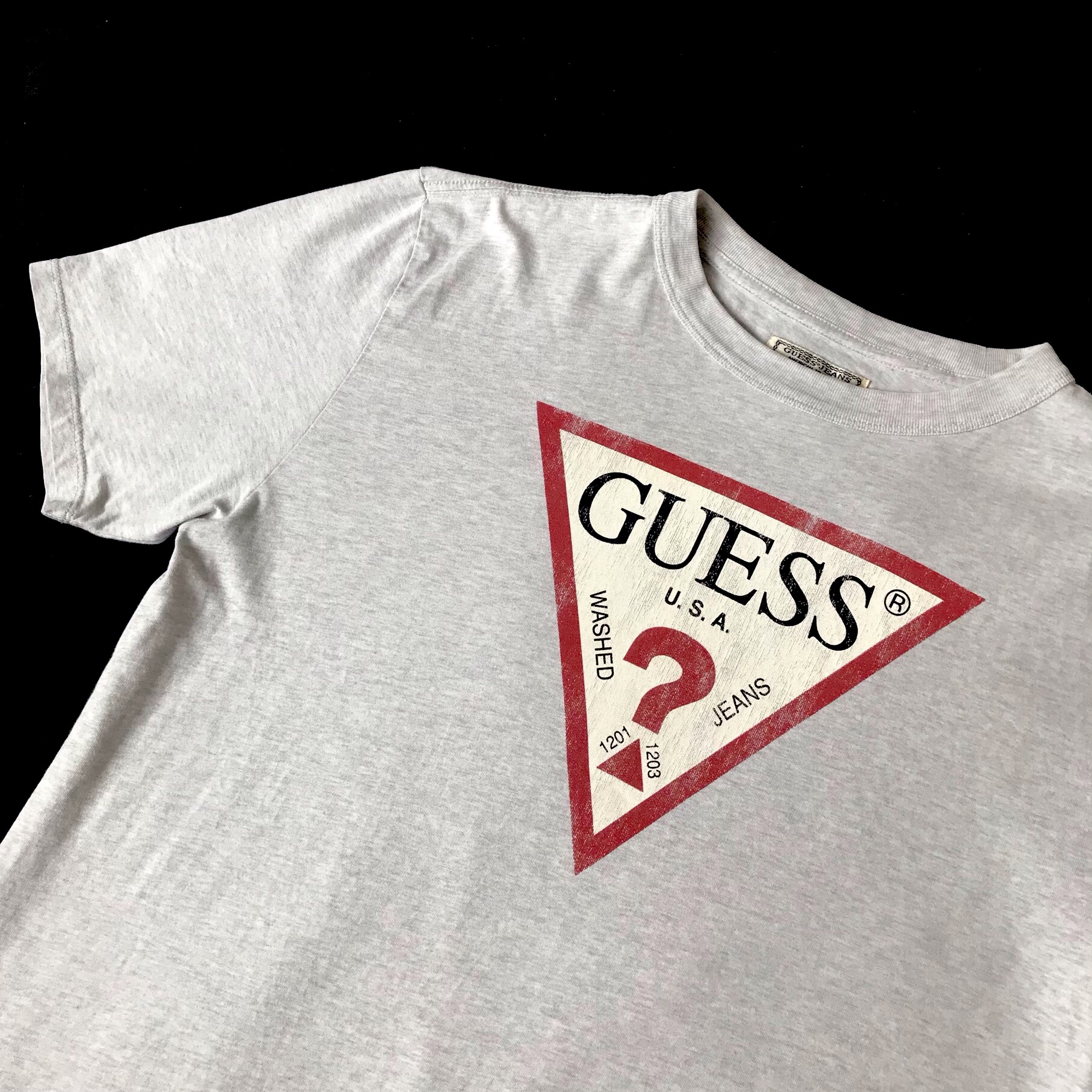 Vintage guess jeans t shirt size small but fits Depop