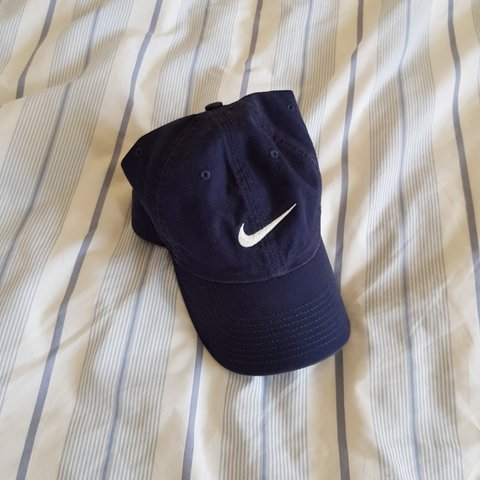 7a136d0ce5b93 Navy Nike cap    Nike hat    Very good condition - Depop