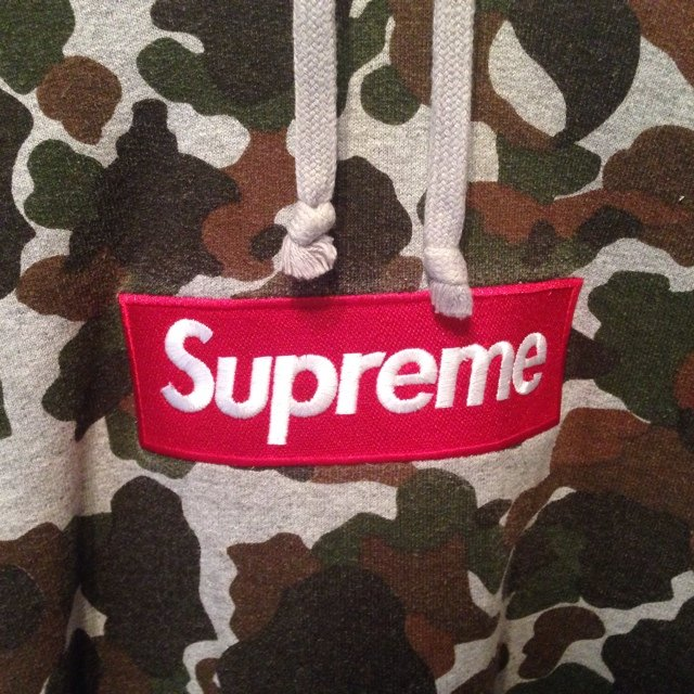458e456d53e8 Supreme Camo hoodie. Mint condition
