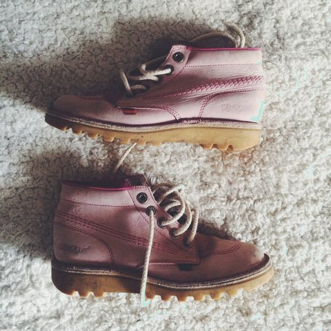 016ce6f370b7b @ellybramley. 3 years ago. Manchester, Manchester, UK. Baby pink kickers. Size  5.