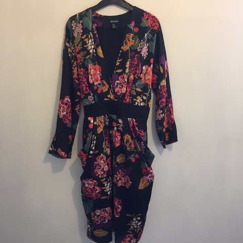 5a3165f68800 H&M Vintage Floral Dress Silk feel Two pockets in front of a - Depop