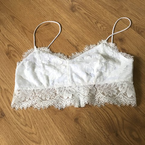 6cc8263afeb53 Topshop white lace crop top! Great condition! Size 12 but a - Depop