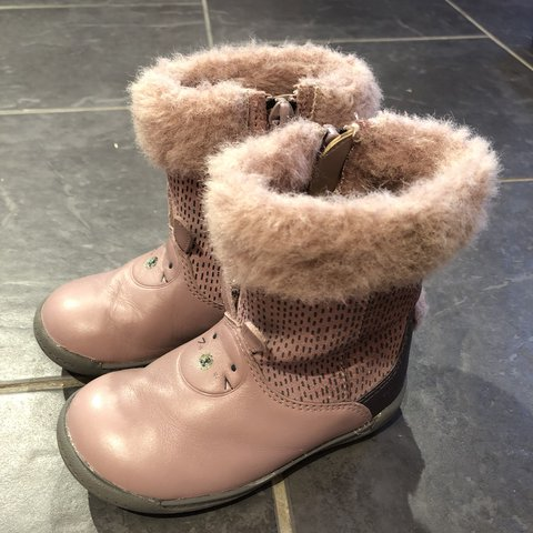 a517b02b9ed96 Clarks 'Iva Time' girls first boots Bunny shoes Size 5.5 G - Depop