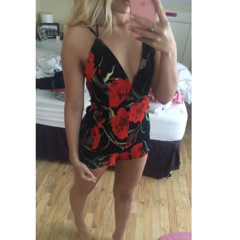 2bd343a89c0 Missguided Floral Playsuit 🌹🌷🌼🌸 worn once