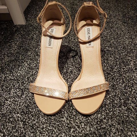 6c8a35717c5 Pair of Steve madden nude heels in a size 4 with BLINGY Have - Depop