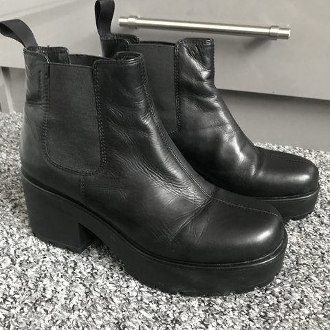 bdef1f90dd00 Vagabond leather chunky heel ankle boots in size 6. Only a - Depop