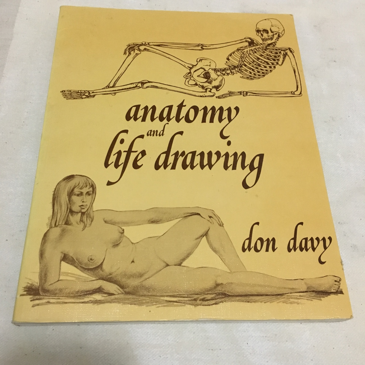gr8 reference book for anatomy and life drawing     - Depop