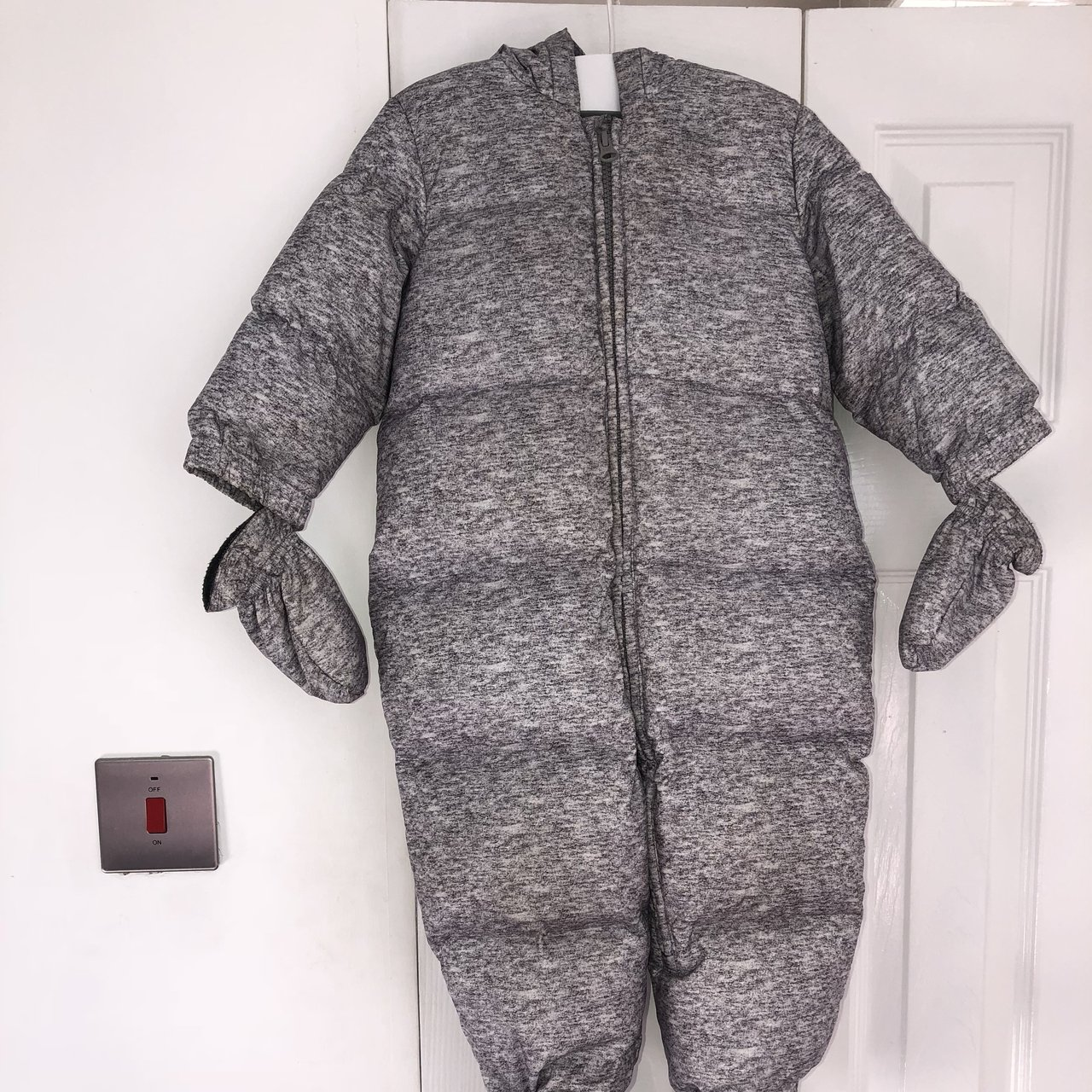 428ddbc95 Baby Gap unisex down feather snowsuit 18-24 months Perfect - Depop