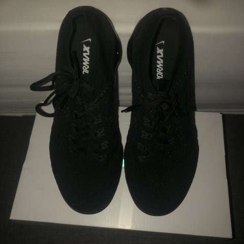 520accce2 Nike Triple Black Vapourmax 1.0 Rare Amazing Condition - Depop