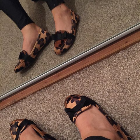 2d6a29f6c @nospmohtfc. 2 days ago. United Kingdom. ✨FREE DELIVERY✨ ASOS leopard print  ballet pumps/ flats with black ...
