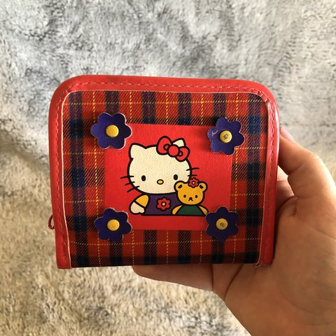 Vintage Hello Kitty Wallet • A well loved vintage Hello of - Depop 8875417c2c25c