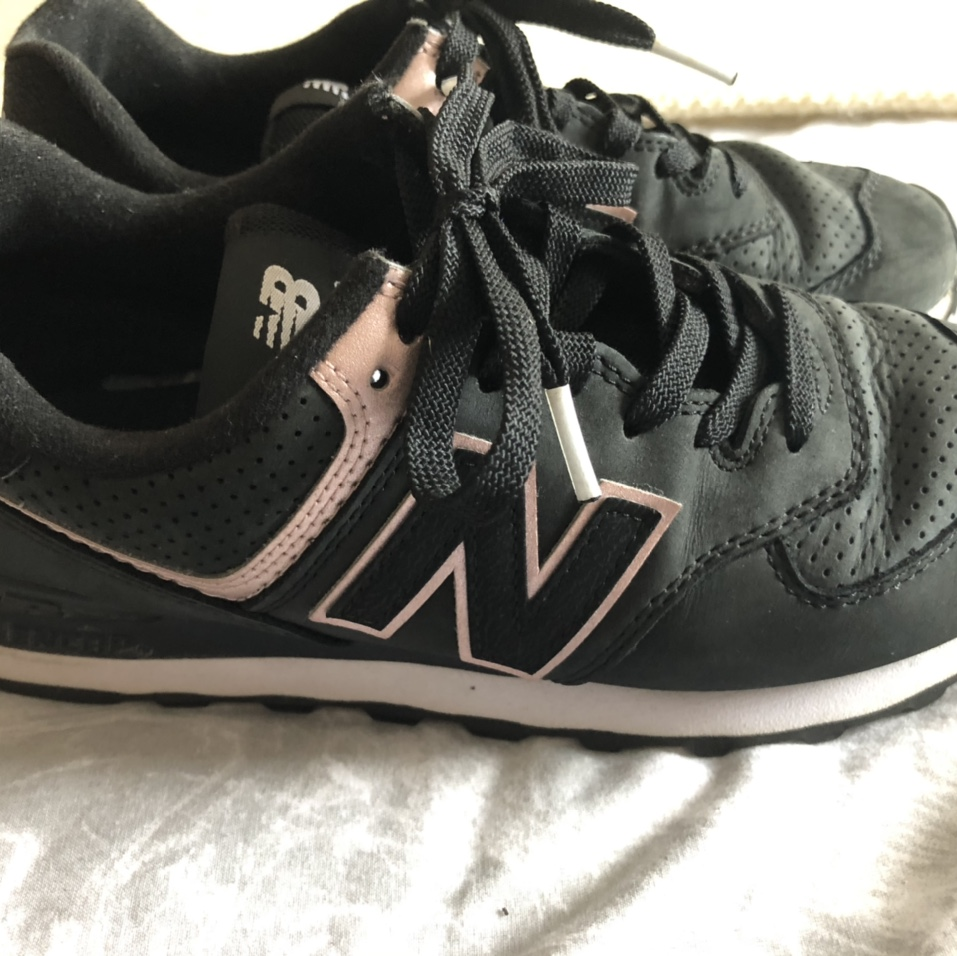 pink new balance trainers