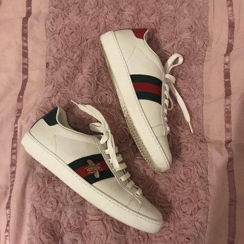 f9598dc9dbc Gucci New Ace bee-embroidered leather trainers in used but - Depop