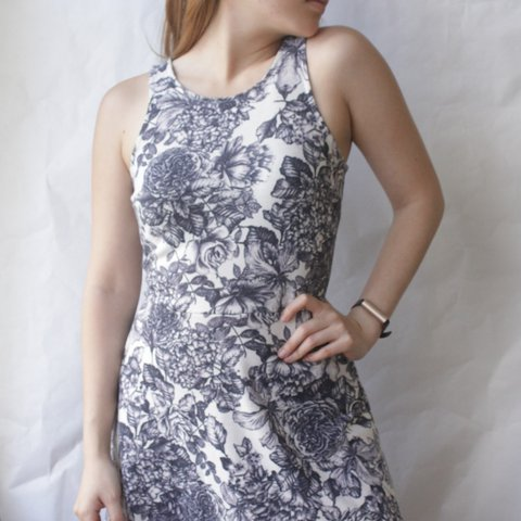 e9bb7809831 Preloved H M Dark Blue Floral Elastic Dress Material  98% a - Depop