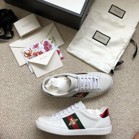 6eb563227a2 GUCCI ACE BEE EMBROIDERED SNEAKER UK 8.5 10 10 condition - Depop
