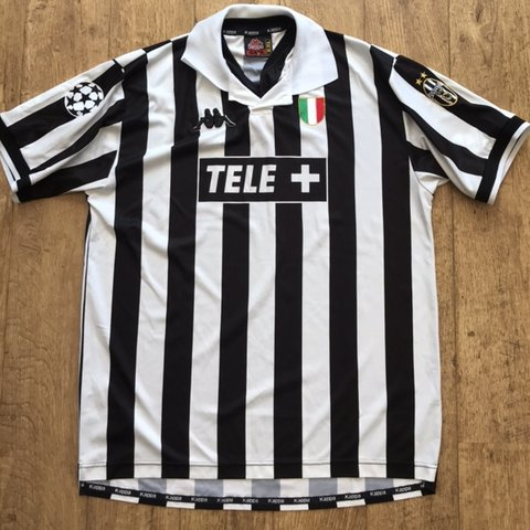 9065f71be45 90s vintage juventus kappa football shirt