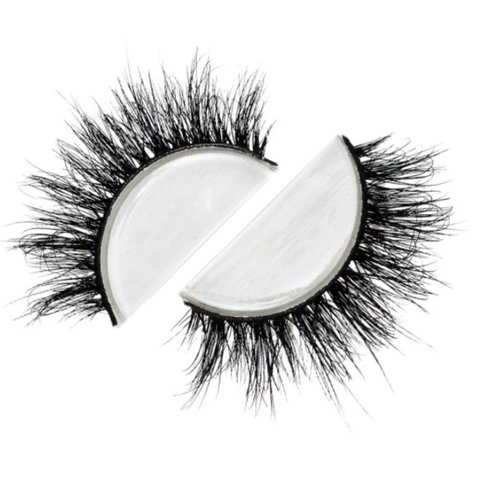 7656e6ae681 Lilly Lashes in style Miami. Brand new shipped directly from - Depop