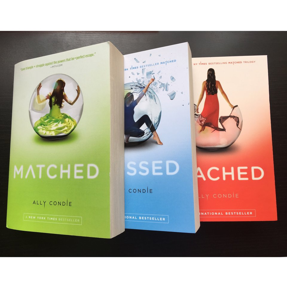 The Matched Trilogy by Ally Condie 。。。 All in brand