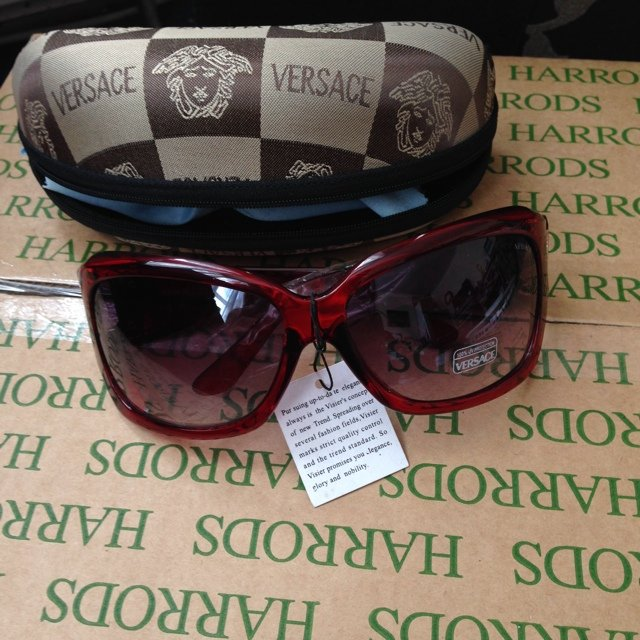 383060ae90 Versace like sunglasses REDUCED PRICE AND NO P P - Depop