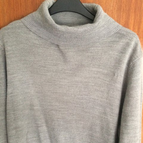 b990040fe Men s L grey turtle-neck jumper from New Look. What better a - Depop