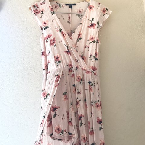 f52dcdf3133e light pink floral print maxi dress romper ~forever with it - Depop
