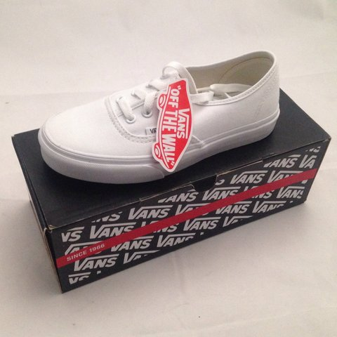 173bf07bf1524b Vans True White Authentic men s shoes UK9. brand new in box - Depop