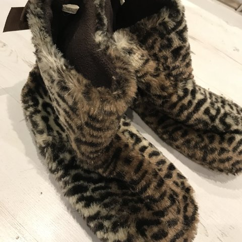 dc4f96097476 Animal print fluffy slippers!🐾🐆 Warm and cosy, great 🤗 UK - Depop