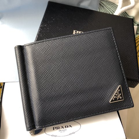 125fcdcd9926 Prada Saffiano Leather Card Holder Wallet Bought direct and - Depop