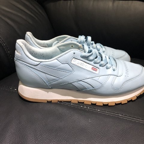 ab0805319ab6c Reebok baby blue classic trainers with white sole
