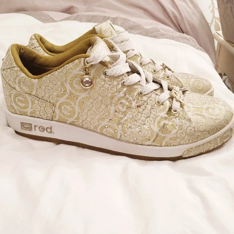 Red by Marc Ecko trainer in gold