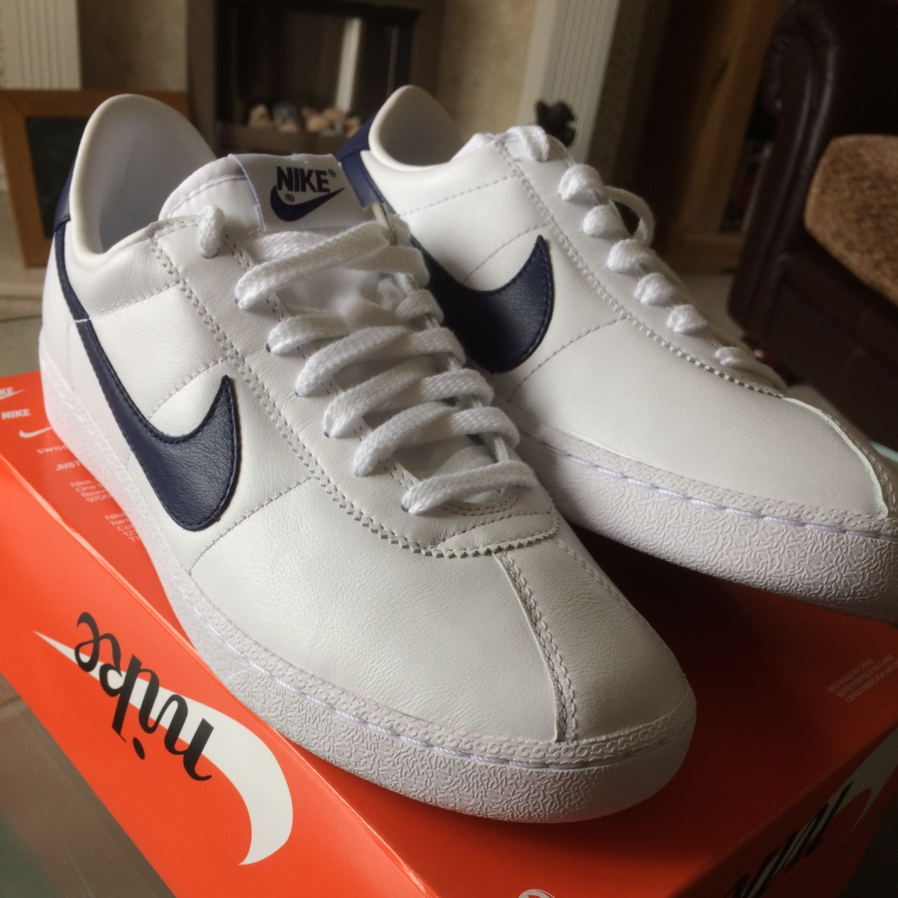 Metro germen País de origen  Brand new Nike bruin leather trainers in white/loyal... - Depop