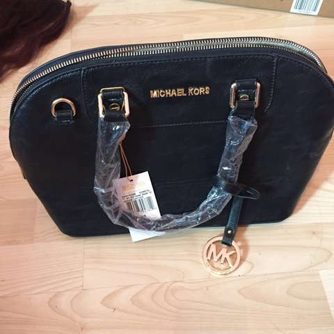7df0a7a9e0da @xsarahcampbellx. 4 months ago. Cleethorpes, United Kingdom. Black Michael  kors lookalike bag