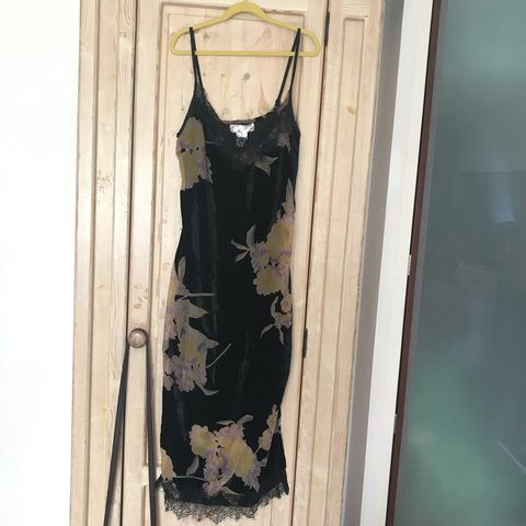 db084d0379c3 @sarahlisgo. 7 months ago. Washington, United Kingdom. Stunning black  velvet slip dress ...