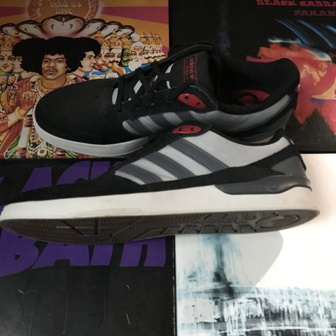 d529e6a08 Super clean worn twice. 9 10 condition adidas ZX VLC skate - Depop