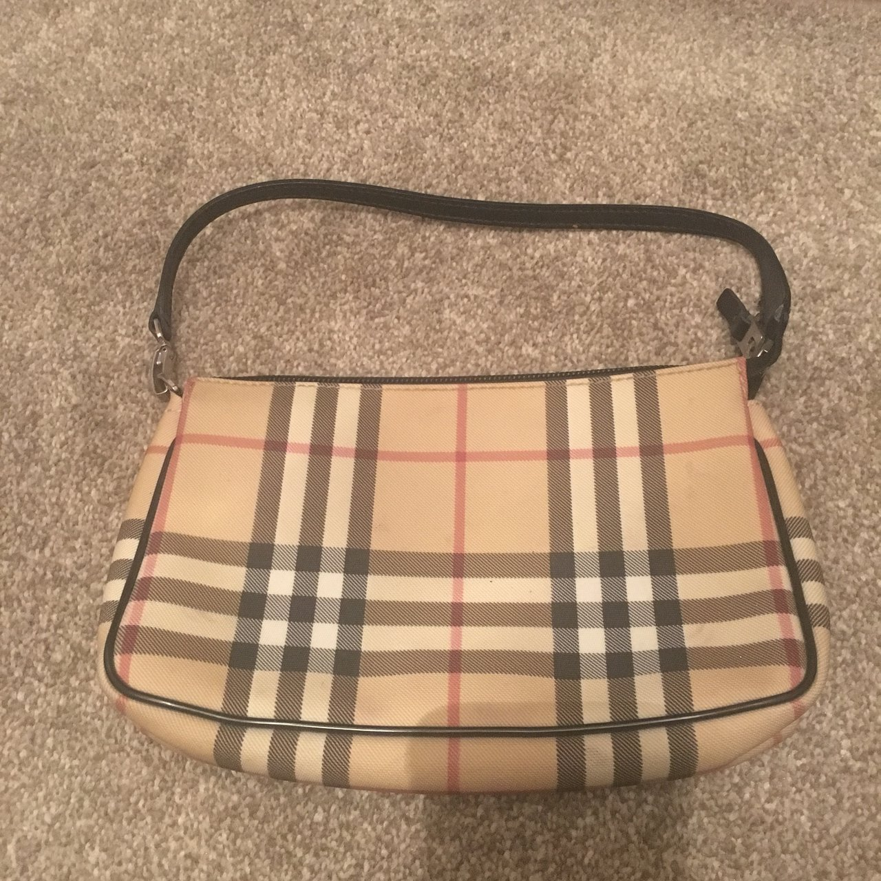 100% Authentic Burberry bag. Some signs of wear   needs a a - Depop c9d71f41f7411