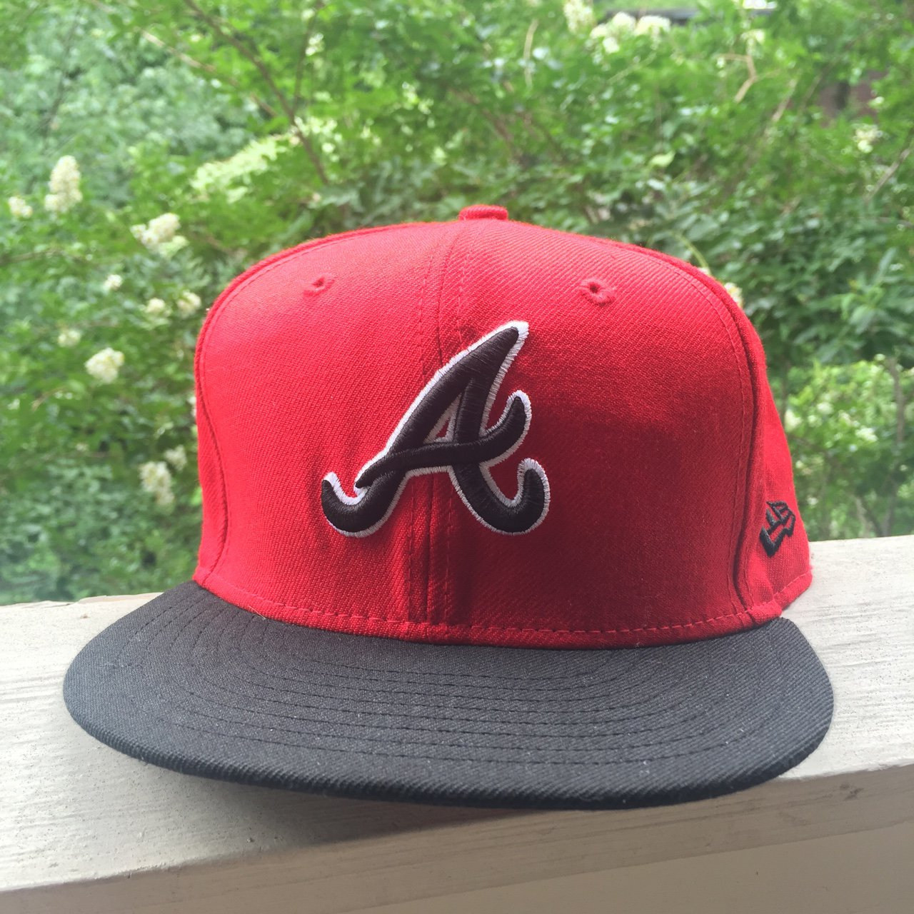 abed6bb64df Atlanta Braves New Era Hat   59Fifty 7-3 8 condition! Will a - Depop