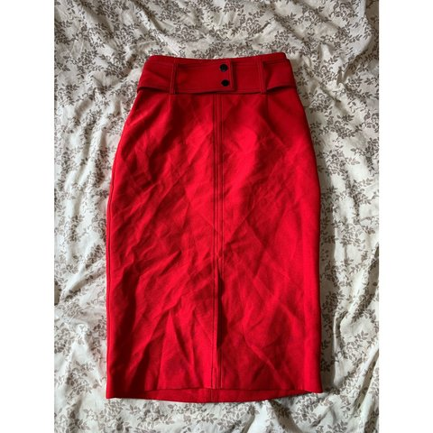 9fdf7562c0 🌟#Zara🌟 Size S colourblock red pencil skirt with belt and - Depop