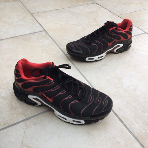 3516583870a8 Nike TN shoes red and black trainers