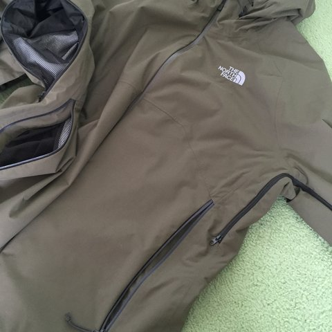 2a4853e5d5 North Face jacket. Olive green hyvent 9 10 condition - Depop