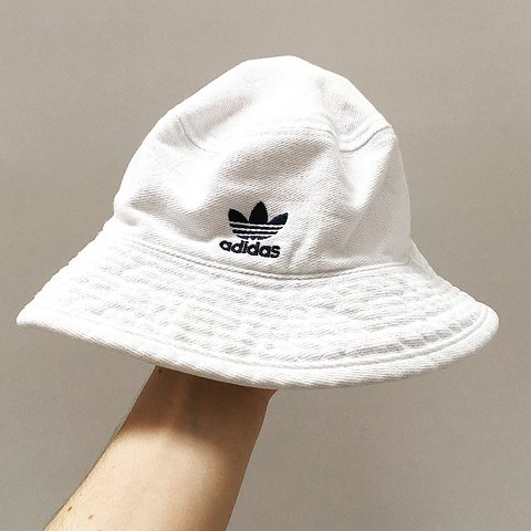 6ce93704d28 vintage ADIDAS white bucket hat 🌻 labelled as a size MEDIUM - Depop